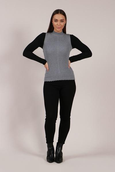 Turtle neck sleeveless jumper
