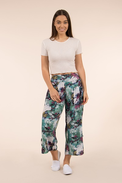 Button Crop Pants