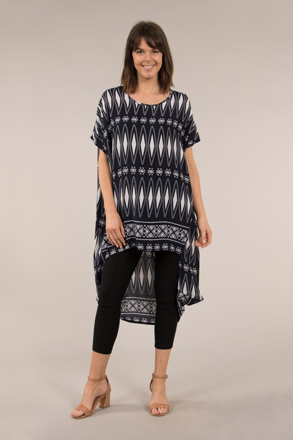 SHORT SLEEVE PRINTED OVERSIZED TOP