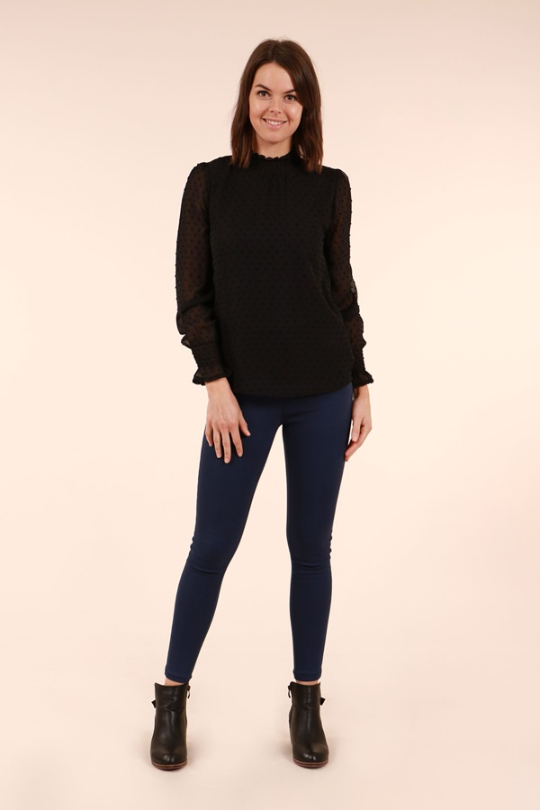 Long cuff sleeve blouse